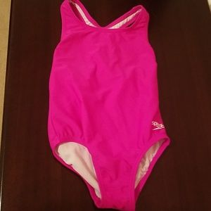SPEEDO Girls size 5 one-piece pink swimsuit